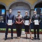 Reconocen a universitarios en el marco del 489º Aniversario de Santiago de Querétaro