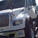 Policía de El Marqués resguarda vehículo con reporte de robo