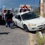 Impacta contra poste de Boulevard de la Nación por falla mecánica